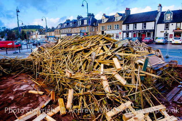 Biggar Bonfire pictures are © Andrew Wilson and must not be used without permission